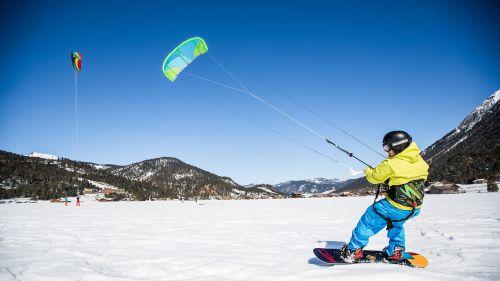 SNOWKITING, SKITOURING. – Jupiter